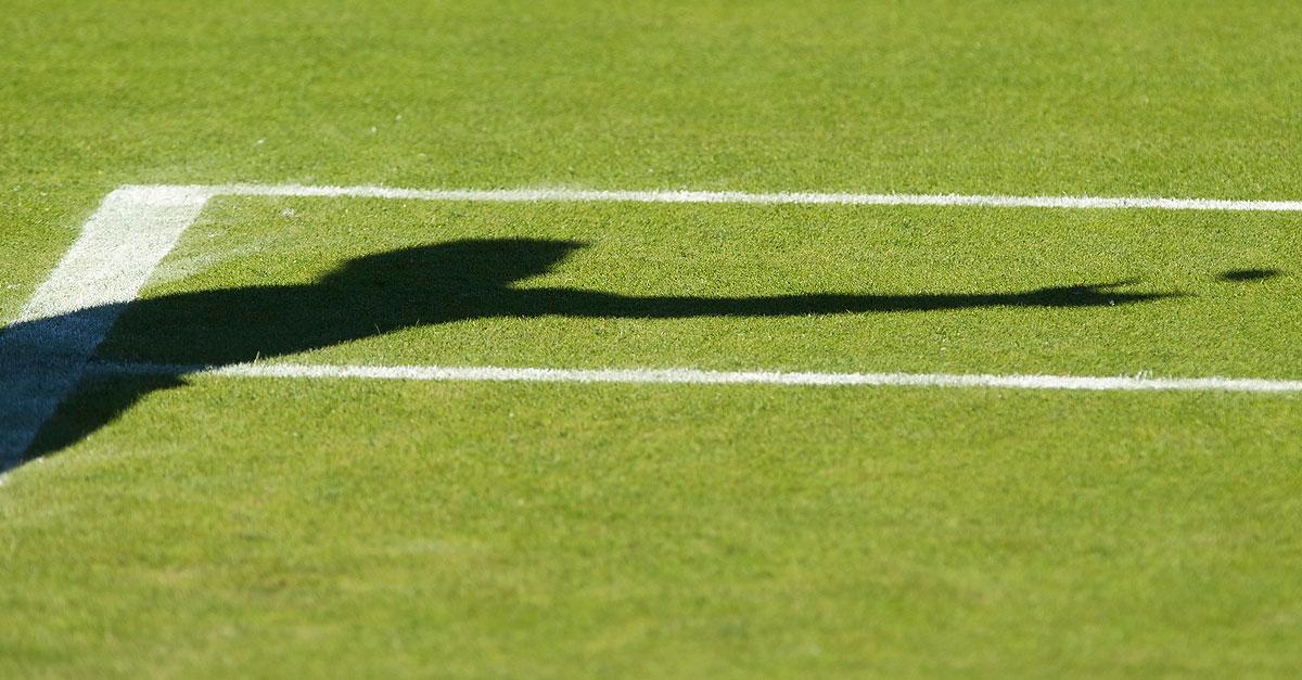 Grass-Tennis-Server-June-2015